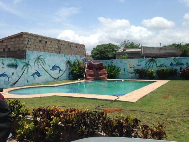 Mahotas luxuosa casa t5 com piscina campo de basquete.