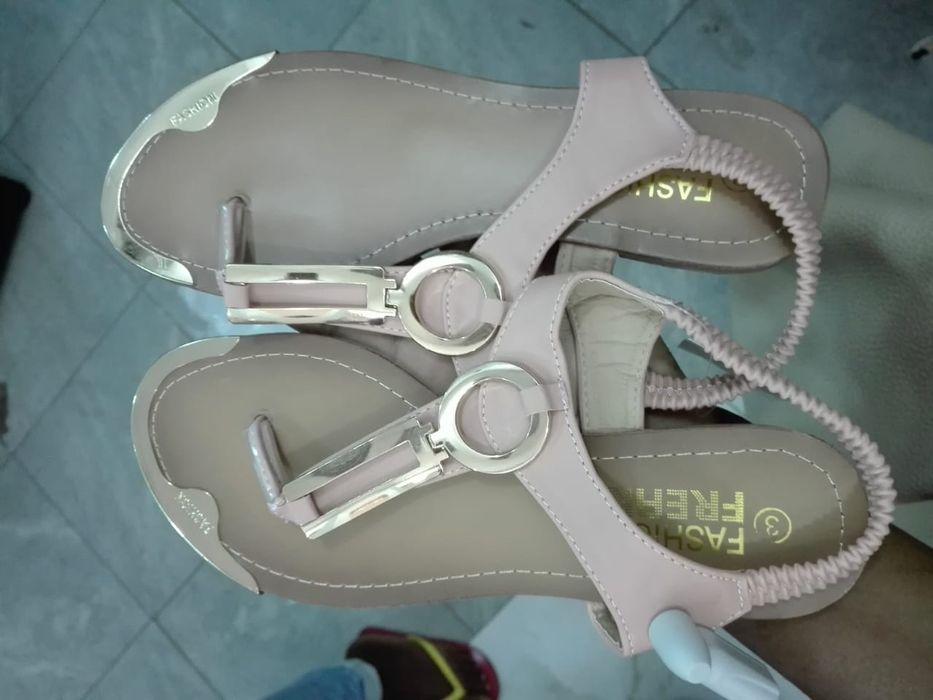 Sandálias e chinelos Cidade de Matola - imagem 3