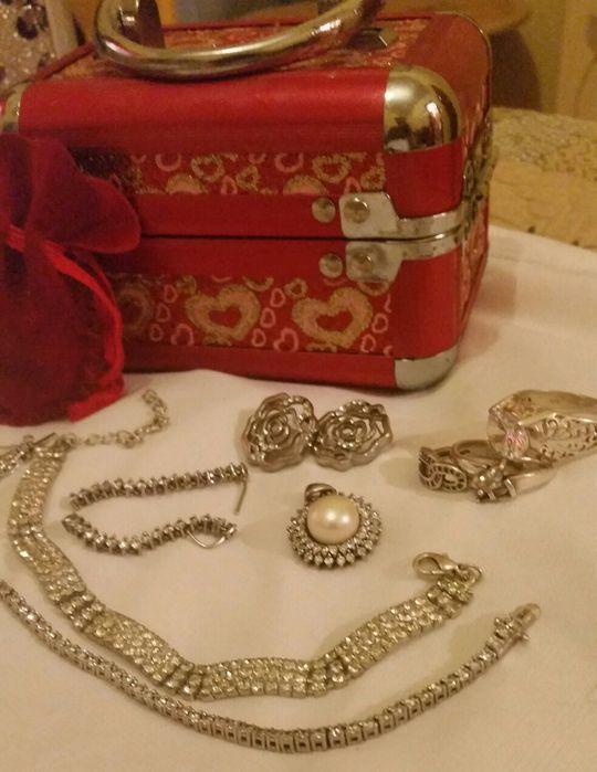Brincos de ouro e de prata