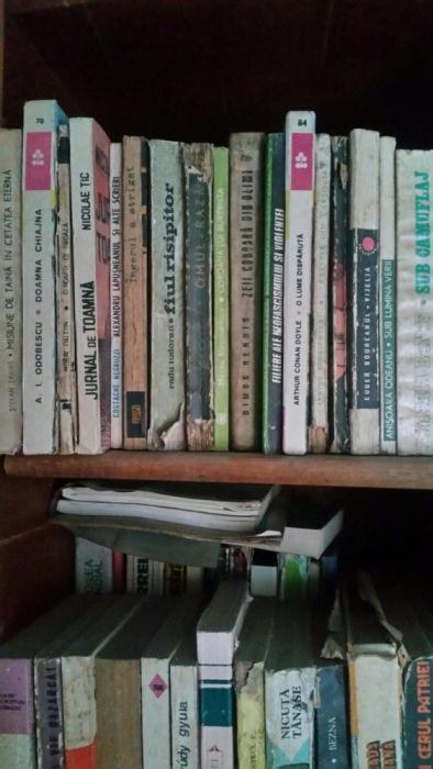 Cărți vechi și foarte vechi