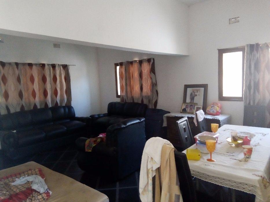 Arrendo uma casa T3 com suite no Zimpeto proximo a Vila Olimpica