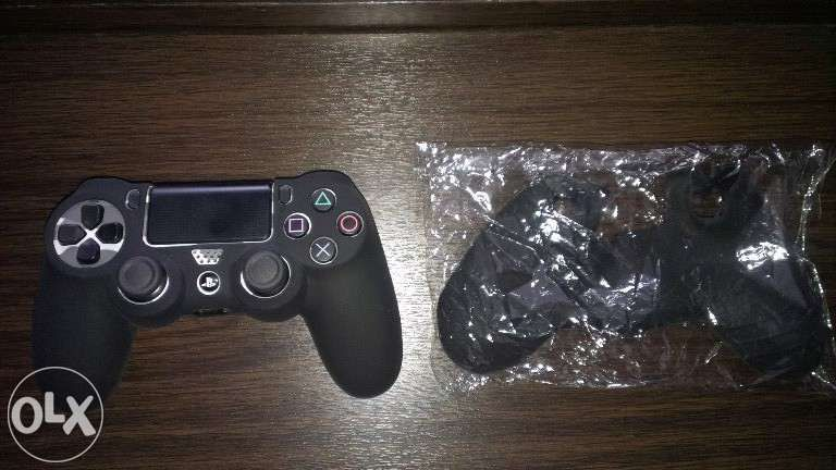 Protectie din silicon pentru PS4 Controller Playstation 4 DS4 V1 si V2