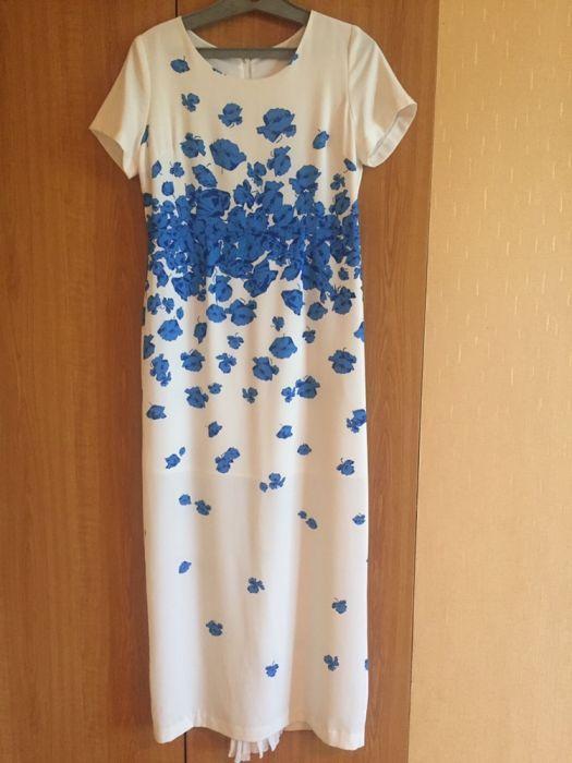 Красивое женственое платье в пол!