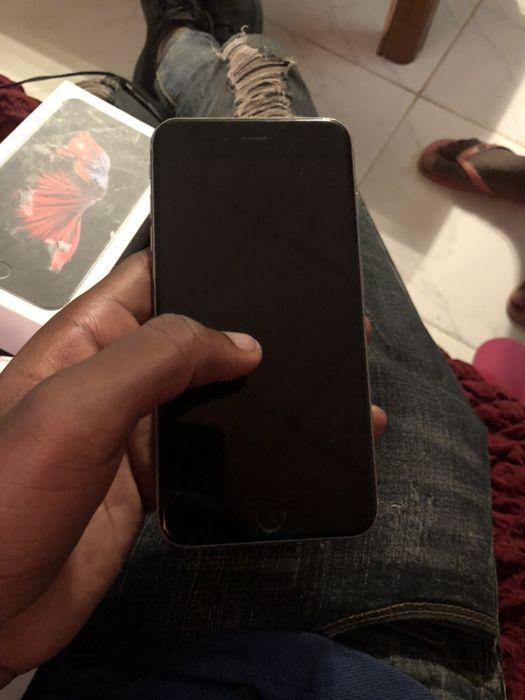 Vendo um iPhone 6s Plus