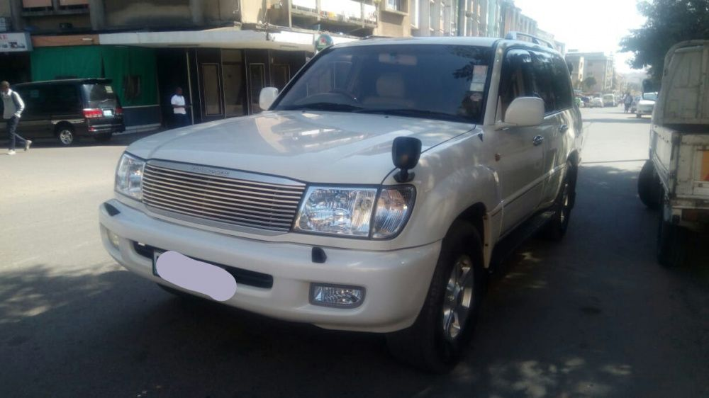 Toyota Land Cruiser V8...li.9.0