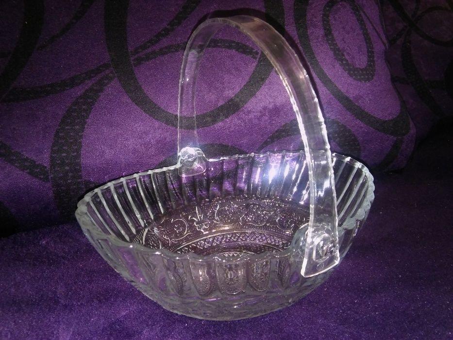 Стъклена кошничка