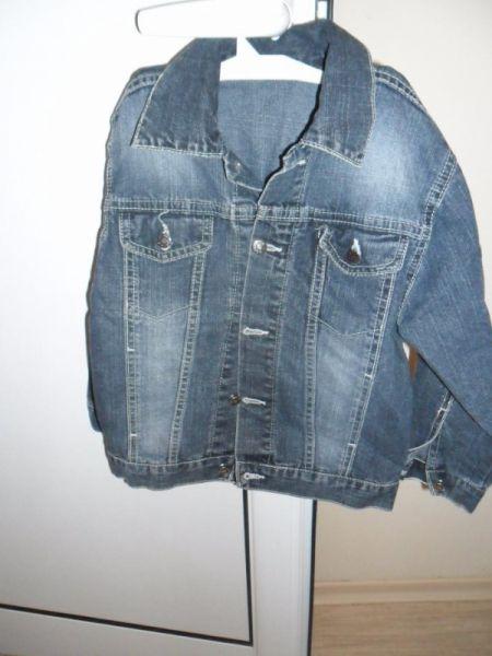 детски дънки и дънково яке