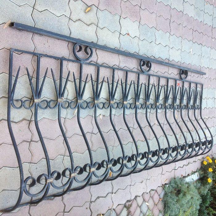 решетки металлические, ограждение, железо