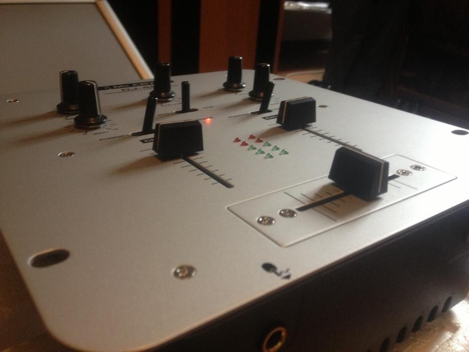 Mixer Audio/Stereo /Analog -MC CRYPT DJ 40(IMPECABIL/GERMANY)