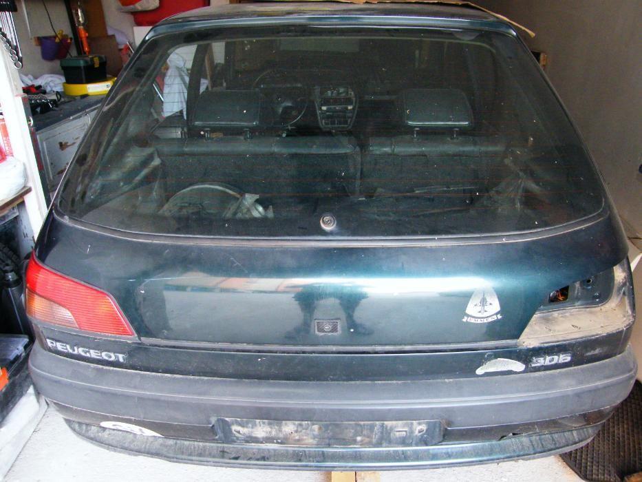 Продавам Peugeot 306 на части.