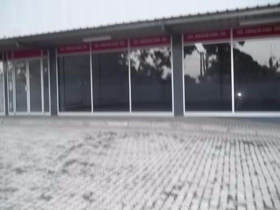 ALUGA-SE: Armazém Novo Show Room 150m2, Zimpeto, Maputo