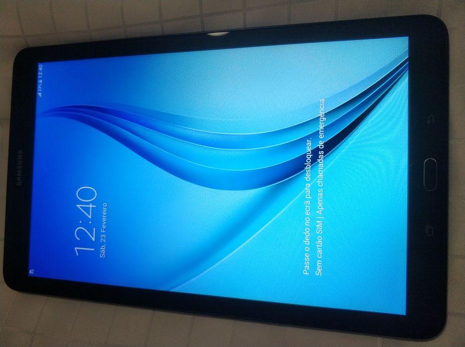 Samsung TAB E 9.6 na Caixa