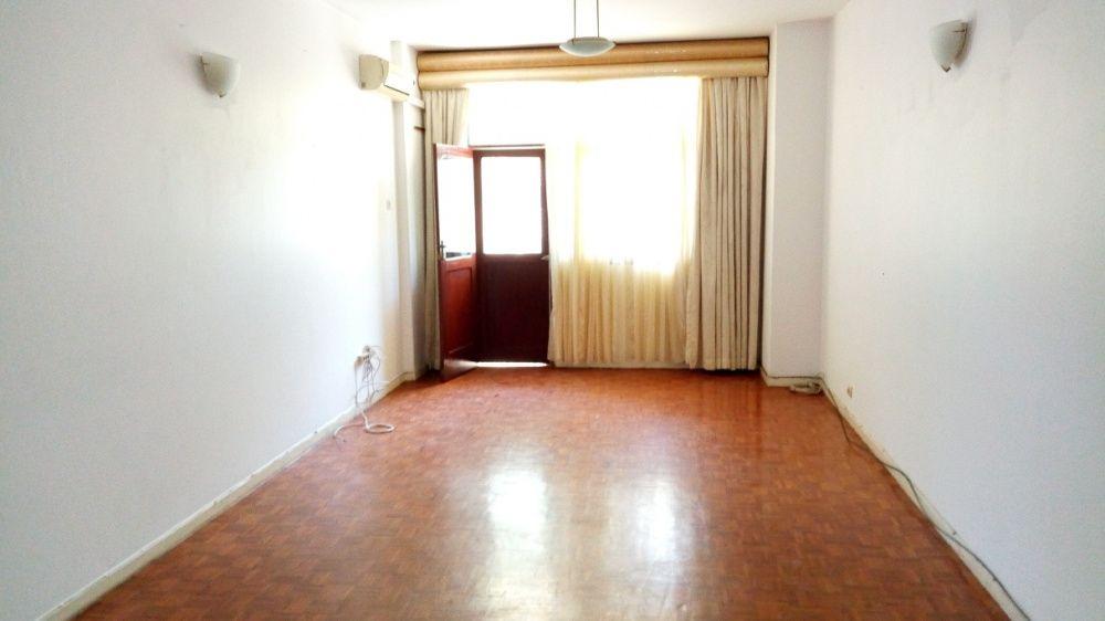 Apartamento pronta habitar