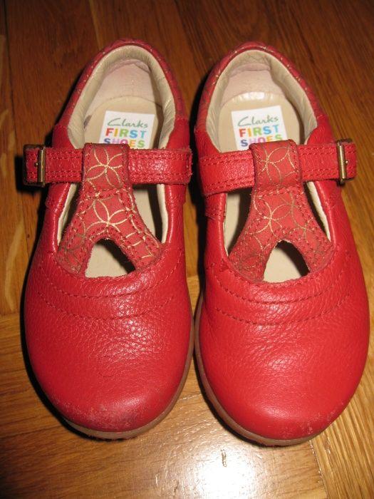 CLARKS червени обувки first shoes 6.5 UK 22 номер