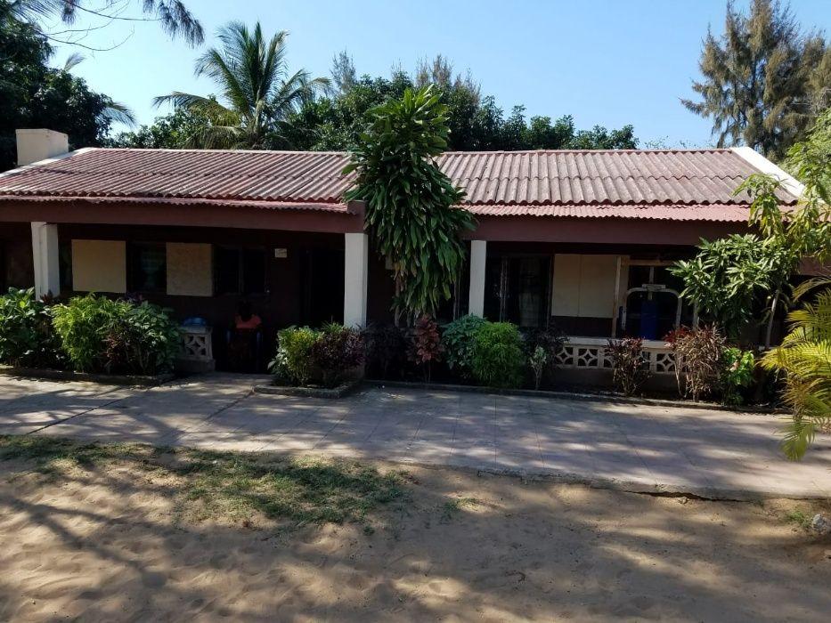 Vendo casa tipo3 com vista a Praia de Inhassoro terreno 40x70m2