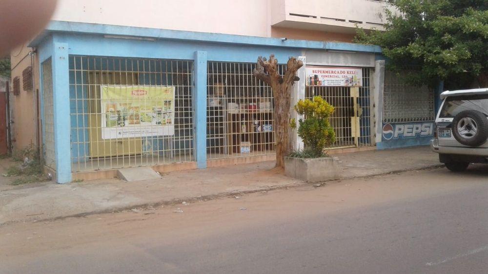 Arrenda-se esta loja na Cidade da Matola
