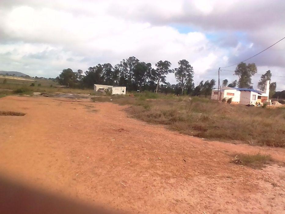 Vende-se um terreno - Cidade de Nampula