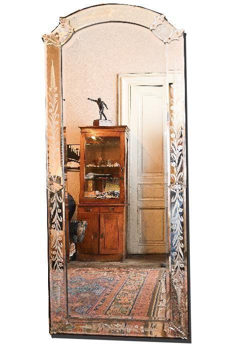 Oglinda Venetiana cu masa de cristal VENETTO de colectie- Anul 1780