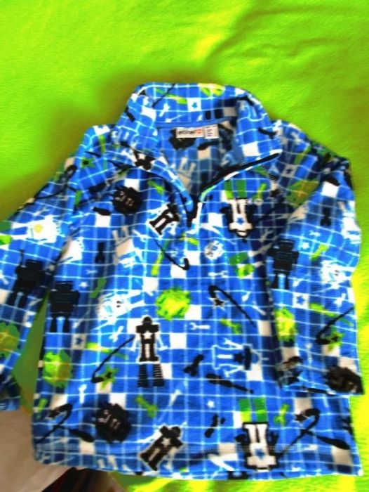 Лот от две поларени блузи-общо10лв