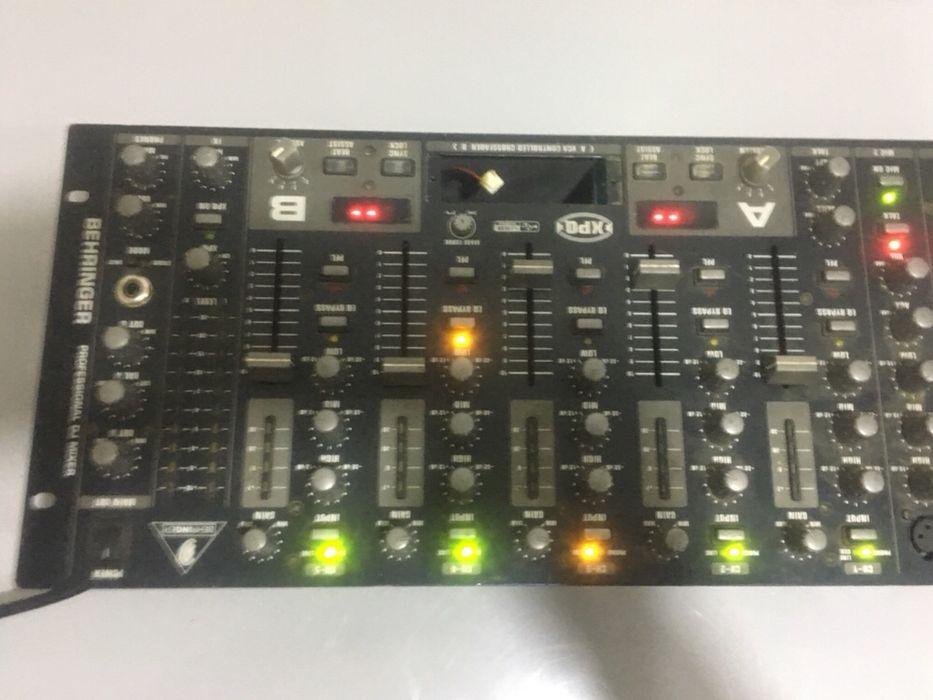 Mesa controladora de DJ Futungo de Belas - imagem 1