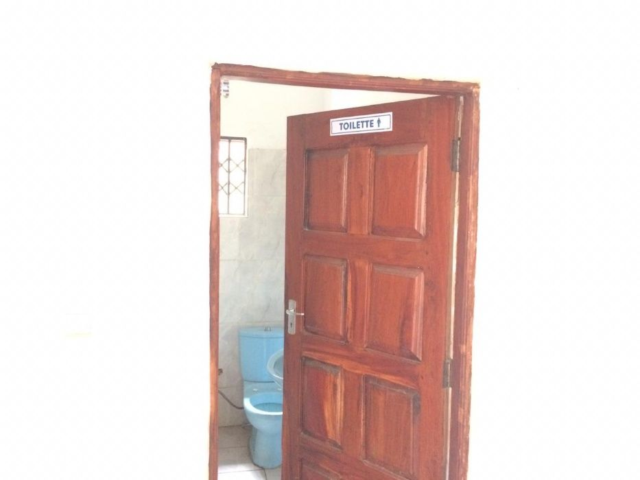Vende se farmacia operacional na Macia. Bairro - imagem 5