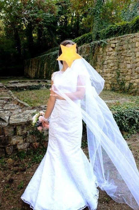 Много стилна и изискана Булчинска рокля