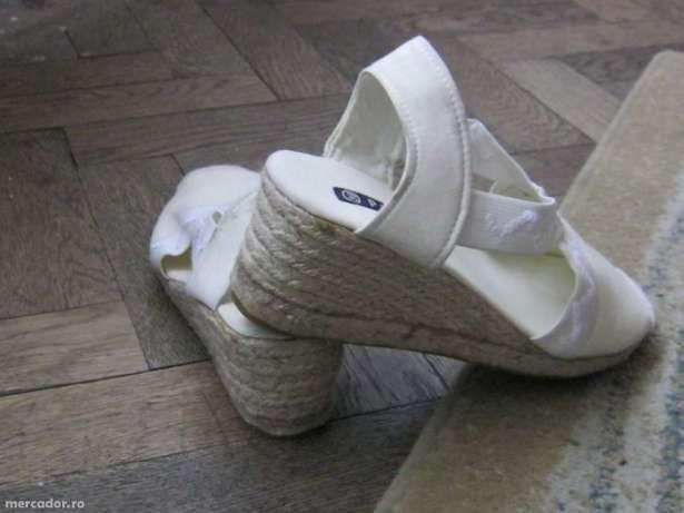 Vand sandale dama noi diferite modele,import germania.41.marime.