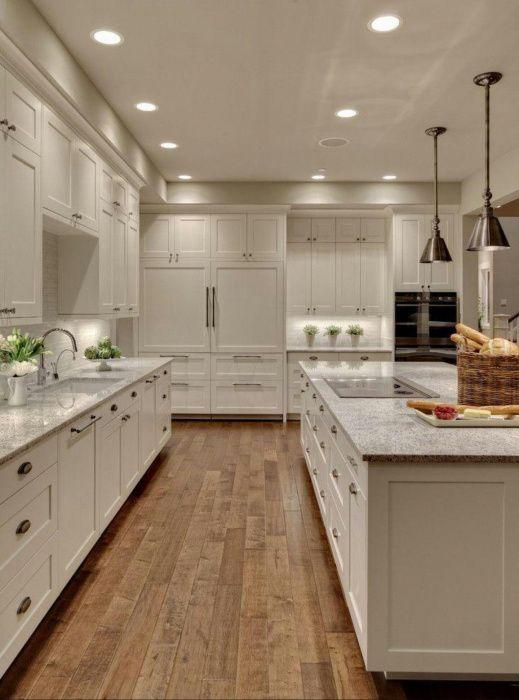 Especialização em cozinhas americanas e decorações.