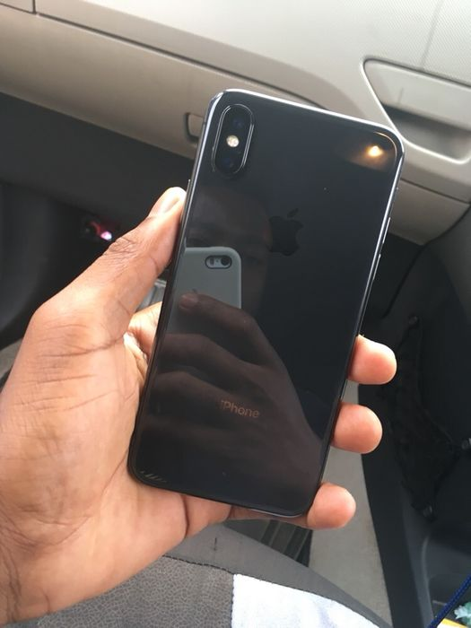 IPhone X 64 GB limpo