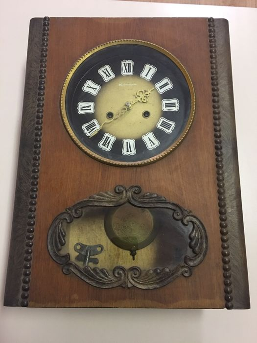 Античен старинен часовник