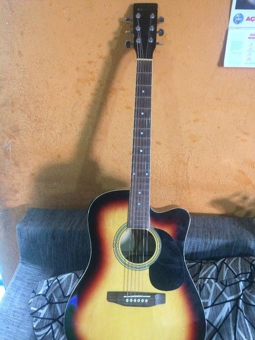 Guitarra - Viola - Electro acústica