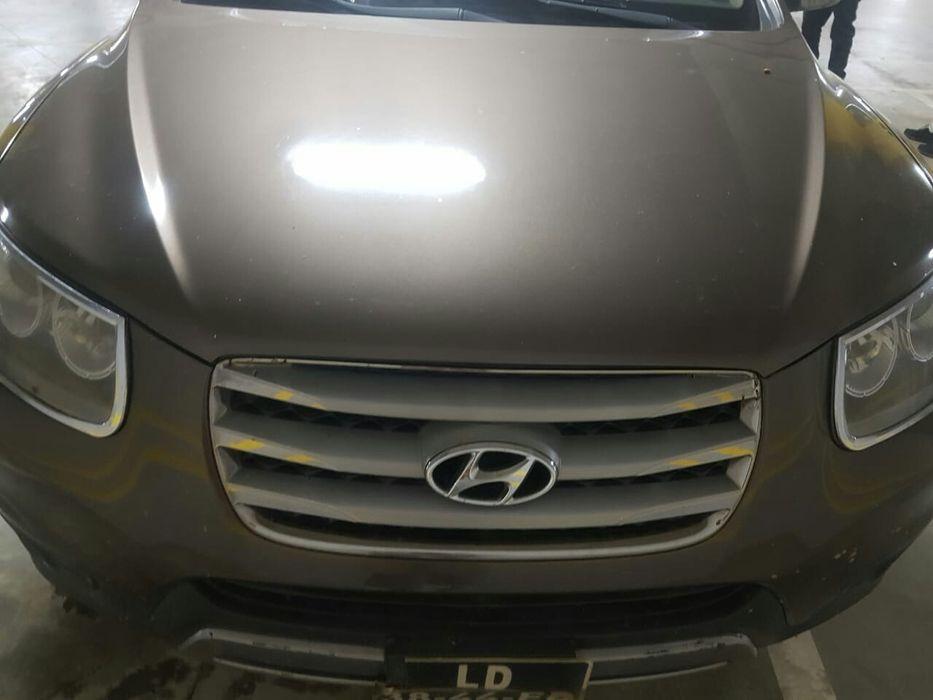 Hyundai Santa Fe modelo antigo mas em boas condições ED
