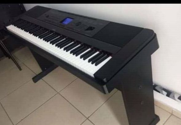 Piano de son á venda