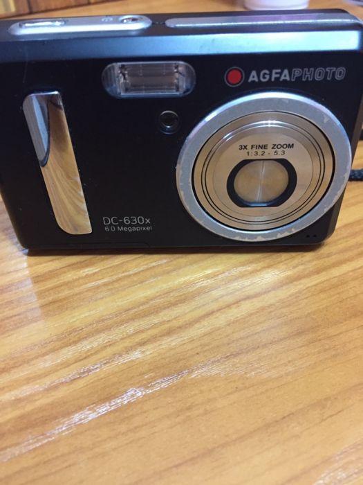 Aparat foto digital cu card memorie