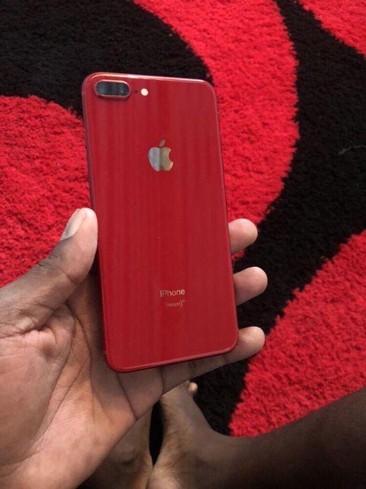 iPhone 8 plus com 64gigas vermelho telemóvel em ótimas condições de c