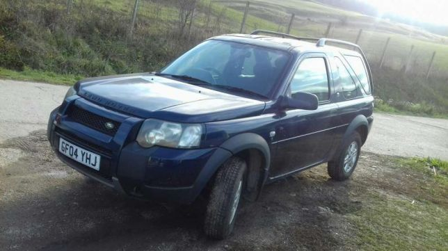 Usa land rover freelander in 3 usi