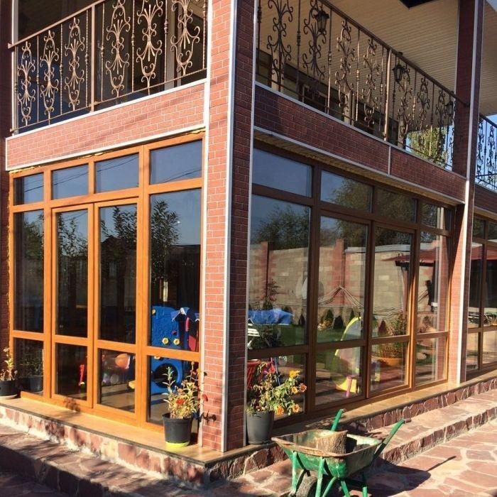 Пластиковые и Металлопластиковые,Алюминевые окна ,Витражи Двери