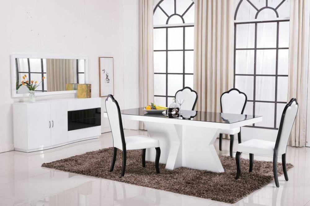 Mesa de jantar com 6 cadeira. Direto entrega è montagem.