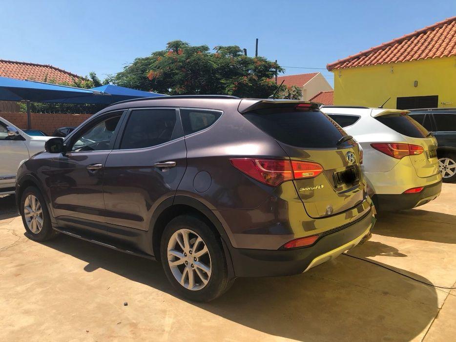 Hyundai Santa Fe 2 viaturas avenda