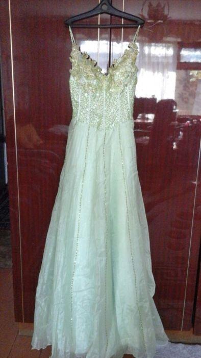 Вечернее, выпускное, свадебное платье нежно салатового цвета