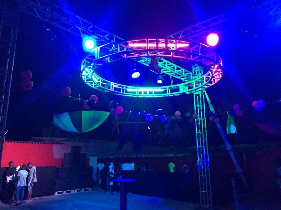 Aluguer de palco, tela led gigante, ecrãs led, som, painel led gigante