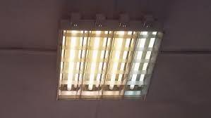caixa de 4 lampadas