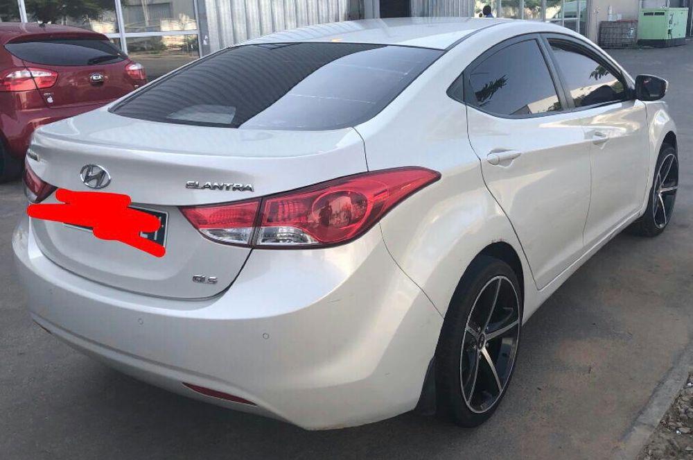 Hyundai elantra || 78-000kms