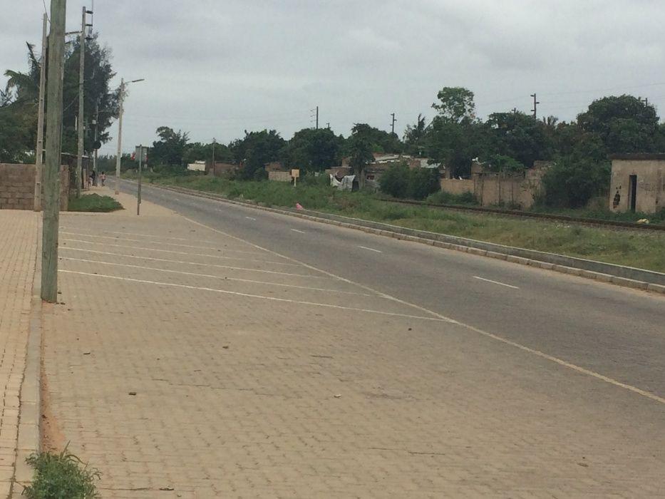 Romao 50\80 Vedado a BERMA DA ESTRADA Rua da Linha Ferrea z.Vip* Maputo - imagem 8