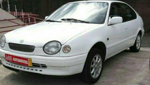 Toyota Corolla Olho de gato