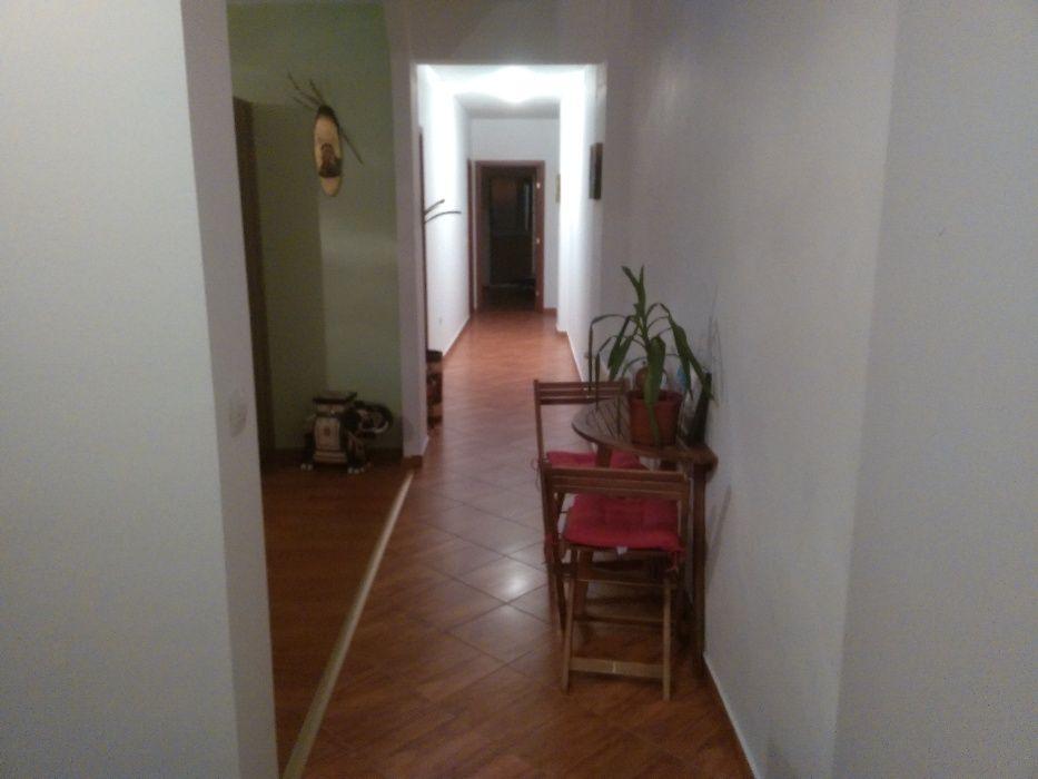 Apartament 3 camere,zona linistita