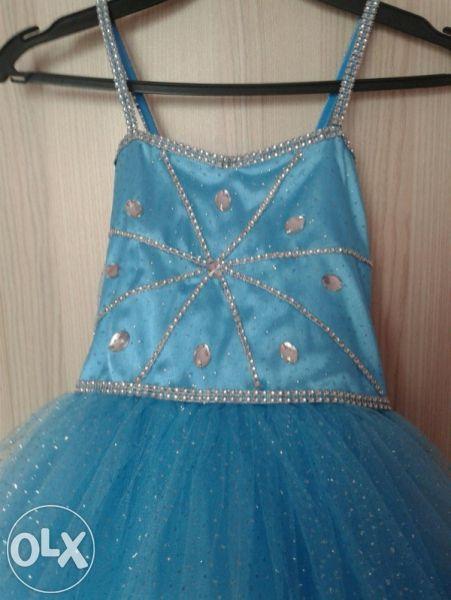 Детска рокля 140см.