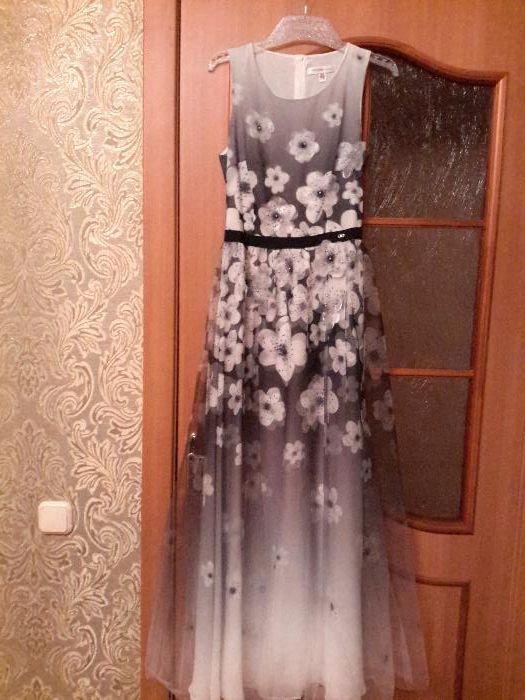 Продам шикарное вечернее платье Waggon Paris, 36/S