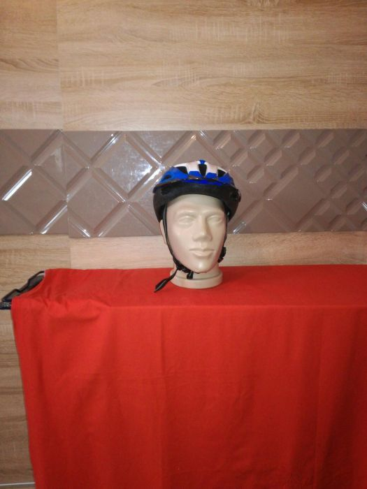 Вело каска за велосипед Uvex