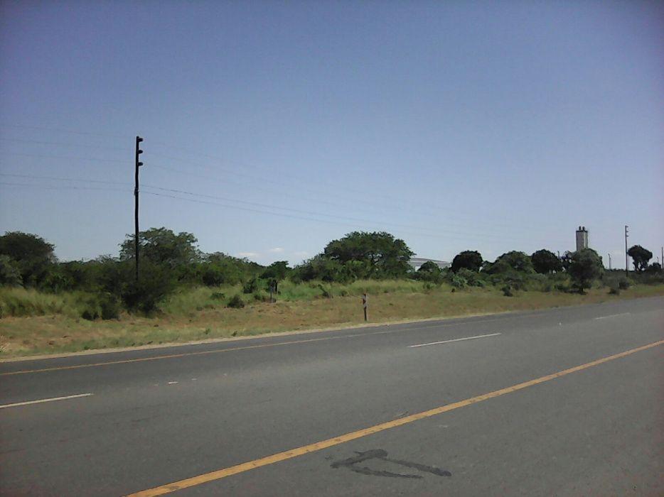 Terreno 5.5 hectares na estrada principal N4